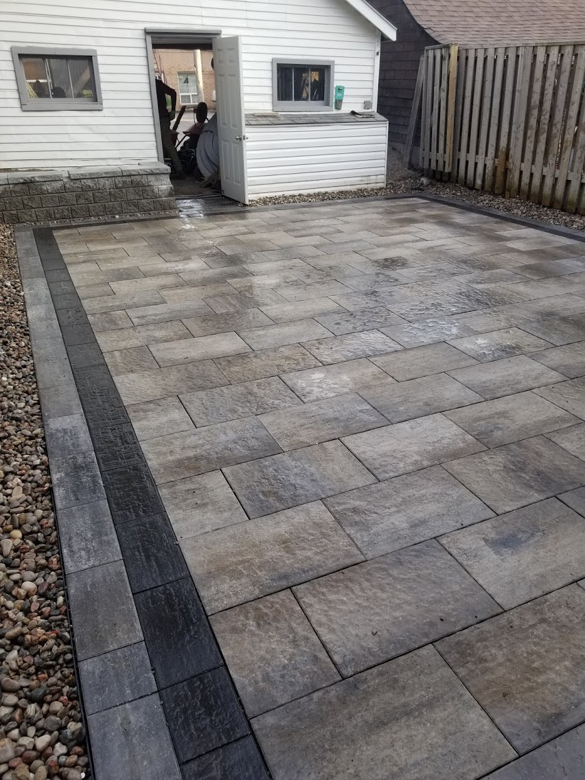 Interlock Backyard with Borders