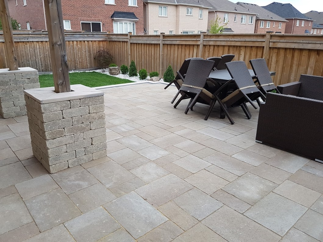 backyard patio landscaping planting
