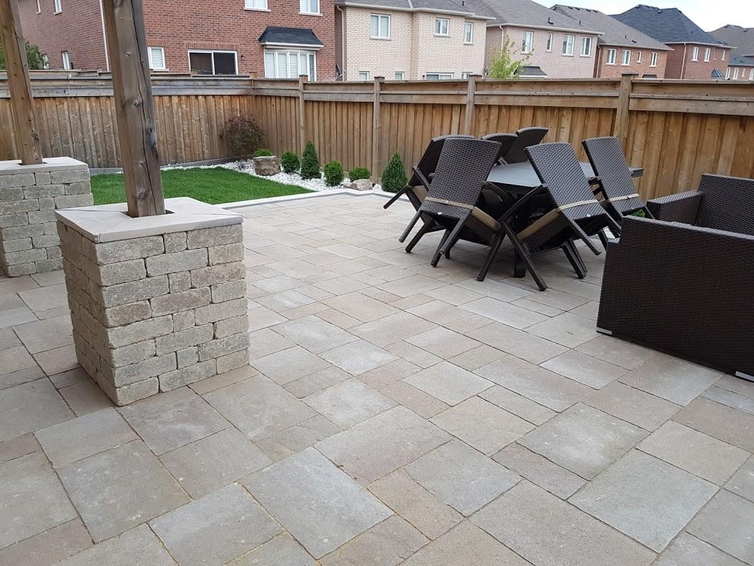 backyard patio landscaping planting