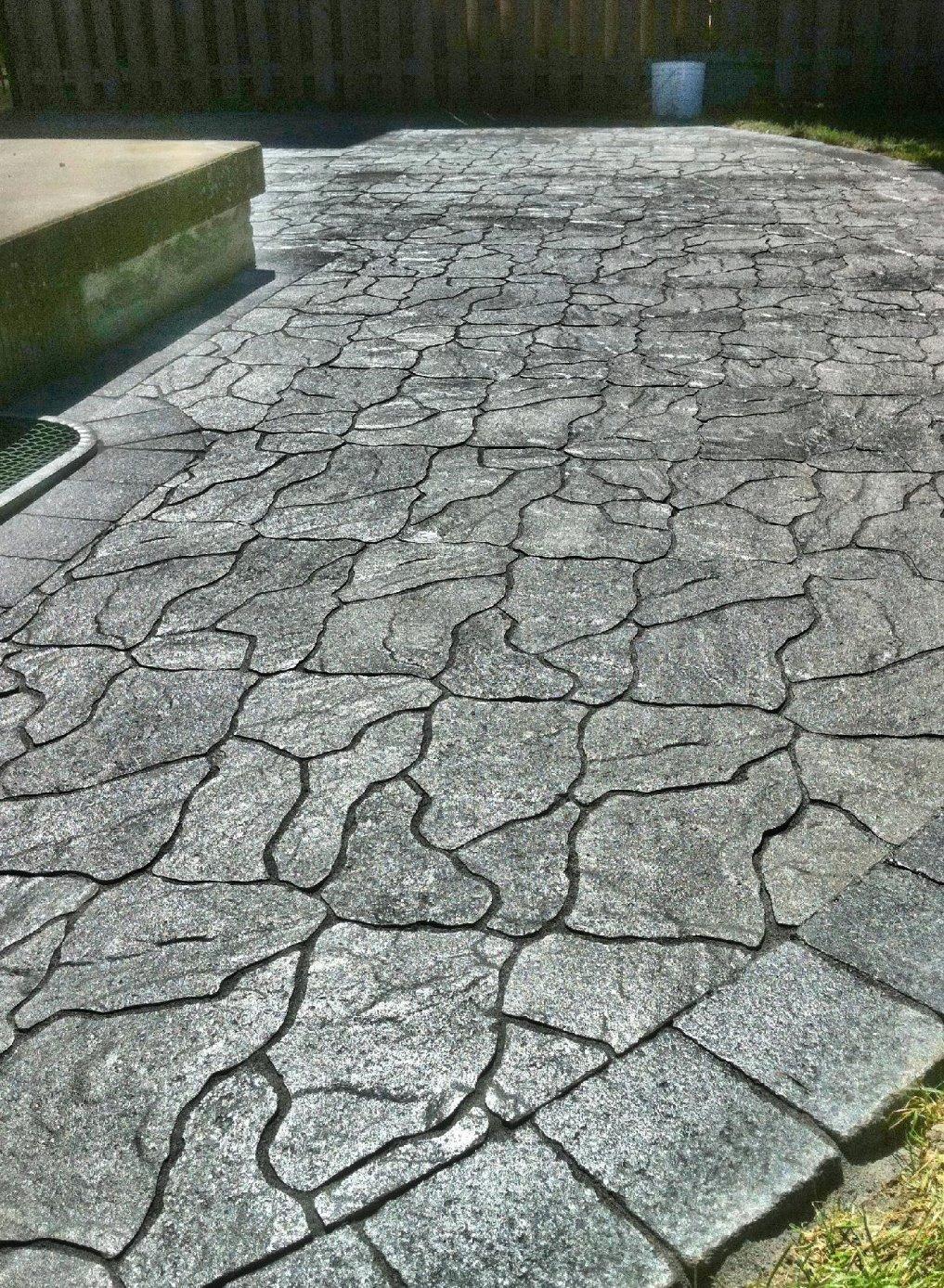 interlocking landscaping driveway