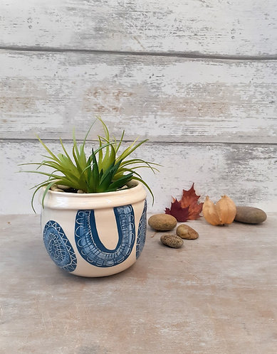 Ceri White Ceramics - Denim Folds Planter