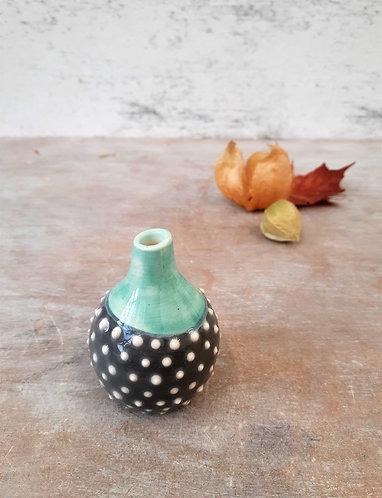 Ceri White Ceramics - Tiny Bud Vase