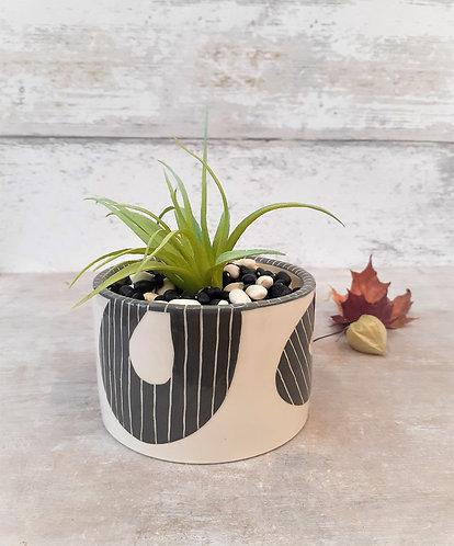 Ceri White Ceramics - Black & White Pinstripe Planter