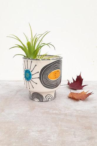 Ceri White Ceramics - Footed Planter