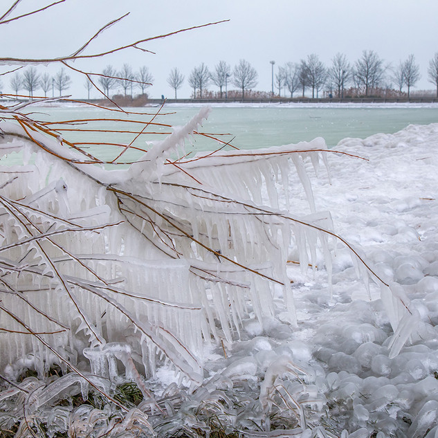 lake-winter-ice-1400x933.jpg