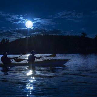 Pleasant-Hill-Lake-Park-canoe-600x400.jp