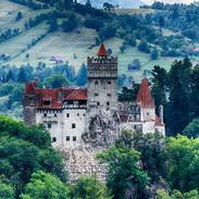 creepy-photos-of-the-romanian-castle-that-inspired-dracula.jpg