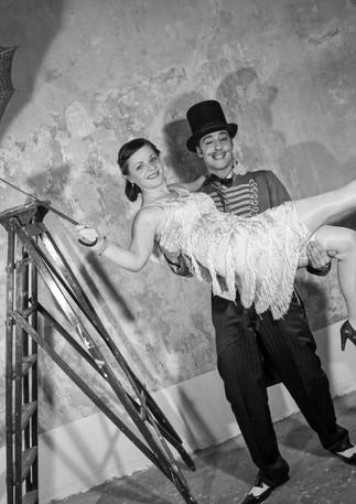Zirkusdirektor und Tänzerin