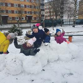 Ура! Снег!!!Прогулка в группе продлённого дня.
