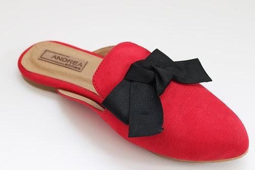 Zapato estilo sueco, color rojo, con chongo de cinta color negro
