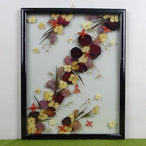 Cuadro floral color ocre/morado, flores y hojas naturales