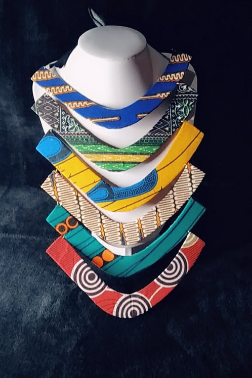 Collar tribal