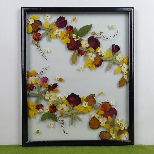 Cuadro floral dos caminos de flores, flores y hojas naturales