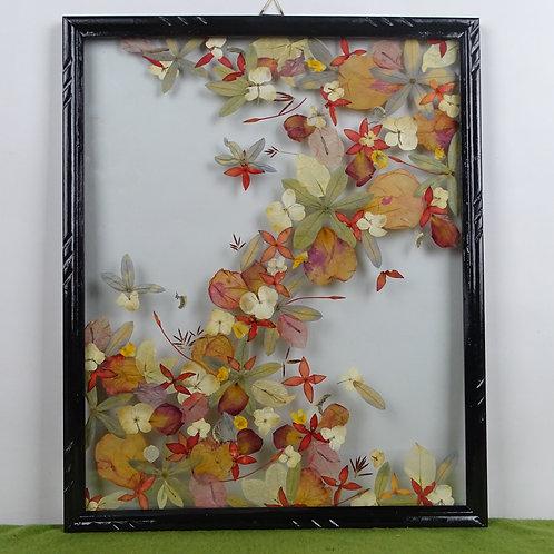 Cuadro floral, variedad de flores y colores,flores y hojas naturales