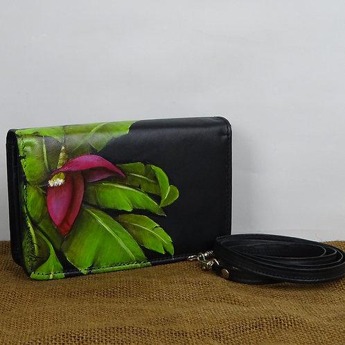 mini cartera convertible, cuero negro, pintada a mano.