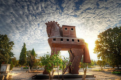 turkey-troy-mocked-up-trojan-horse-at-tr