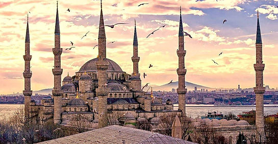 Sultanahmet-district-of-Istanbul-1024x53