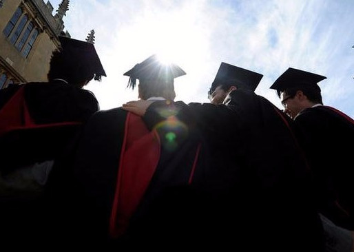 BRITAIN TO REDUCE STUDENT VISAS