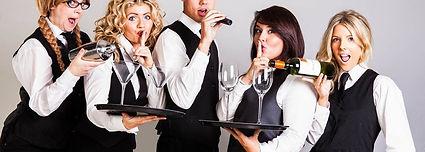 Syngende servitører.jpg
