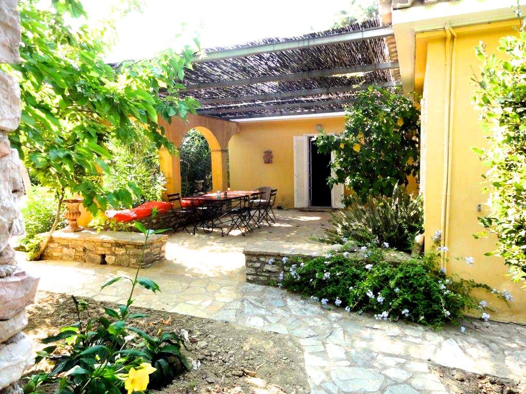 Philippe's huis, terras II