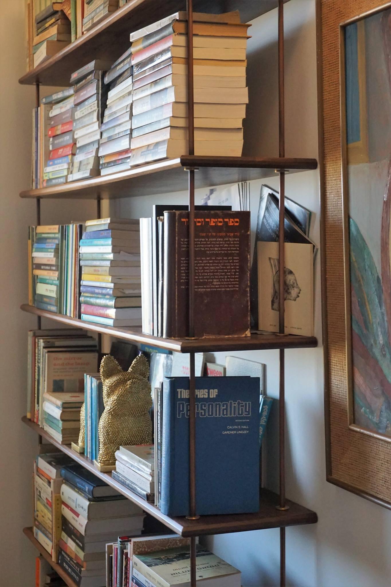 ספריות עשויות עץ אגוז אמריקאי
