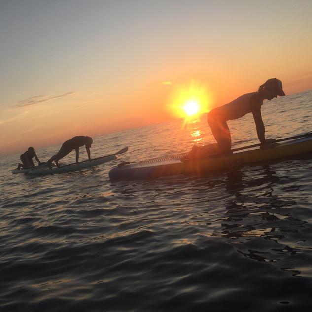 stand up paddleboard yoga at playa