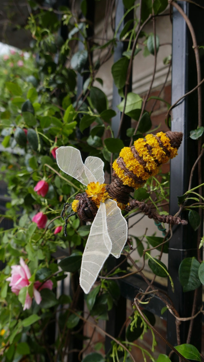 Bee in Situ.jpg