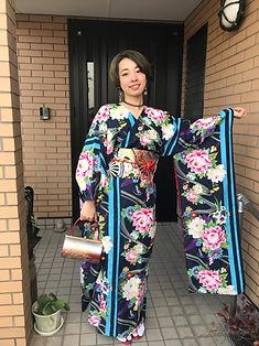 仕立屋甚五郎 振袖なのにひとりで簡単に着れる 着崩れない スタイルアップ効果抜群 衿なし振袖 丸洗いOK