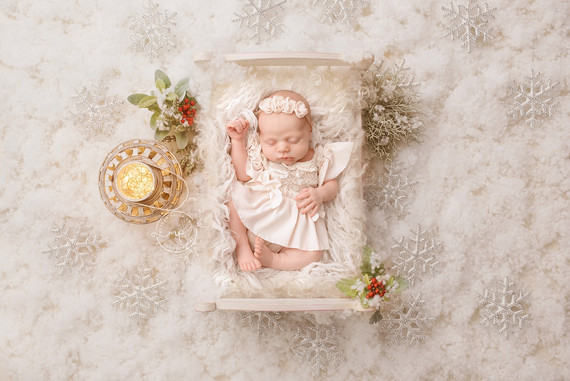 Calgary Newborn Photographer - Christmas