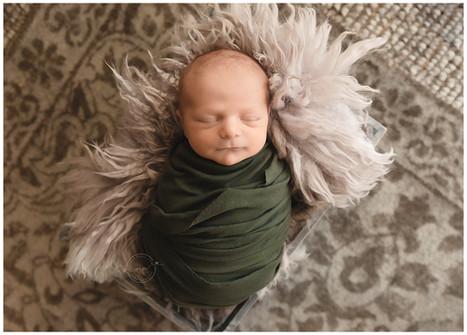 home newborn photographer - meagan paige
