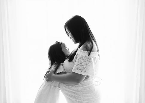 Calgary Maternity Photographer - Meagan