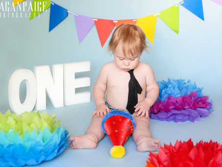 Harlin's Cake Smash - Meagan Paige Photography - Calgary and Surrounding Areas