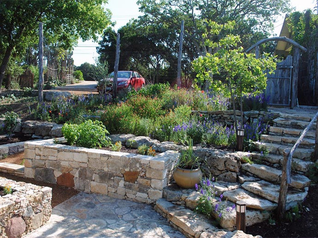 Hughey wall design garden