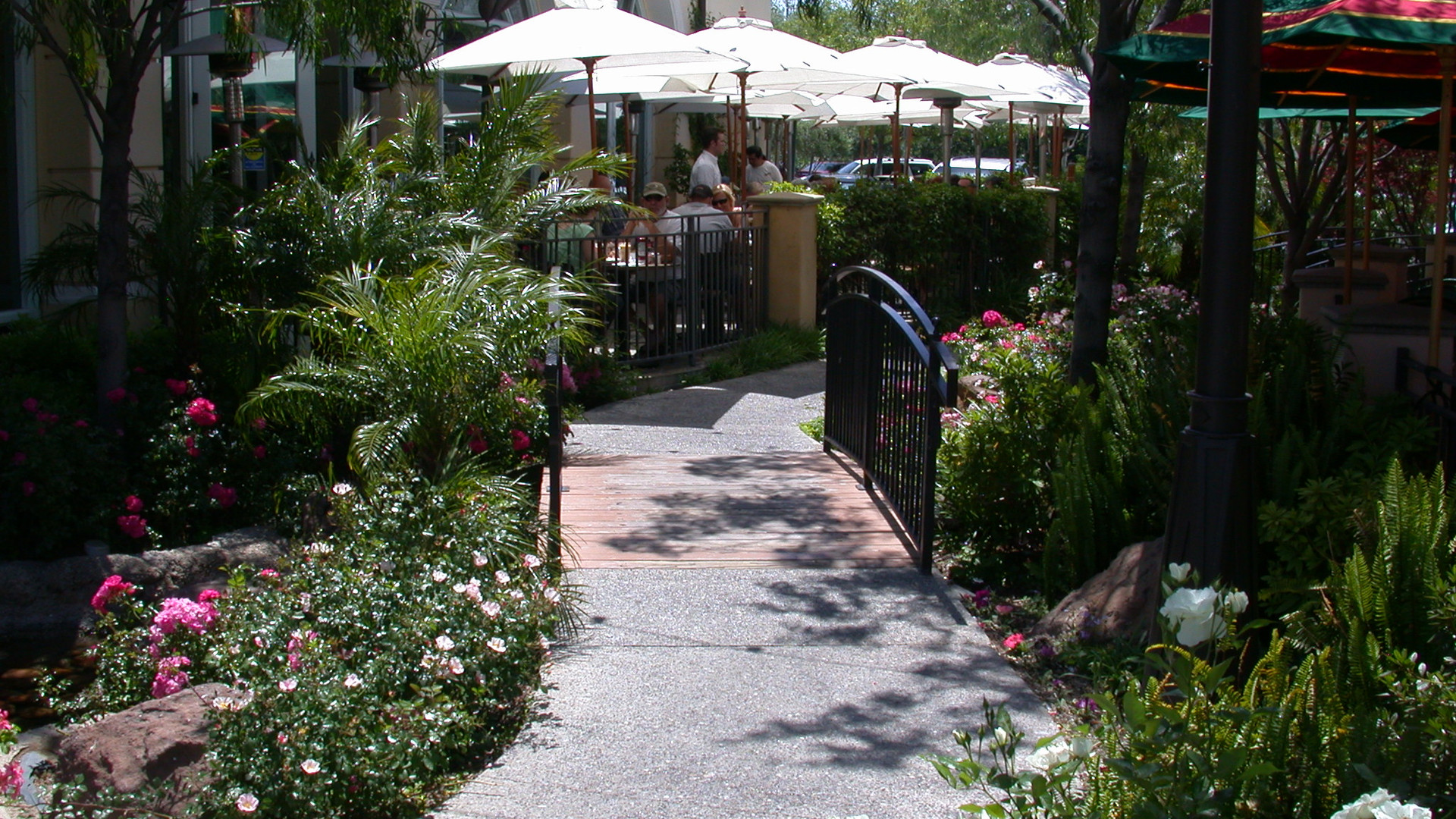 Restaurant path