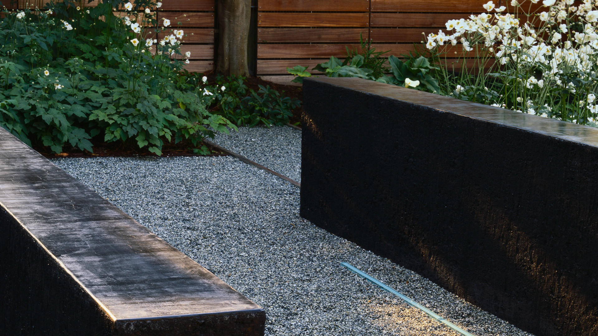 Terrace with modern pebbles