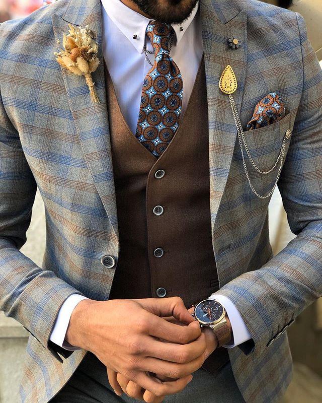 Luxurious three piece suit, blazer, trou