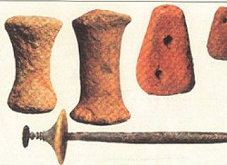 Laboratorio di filatura della lana con metodo antico.