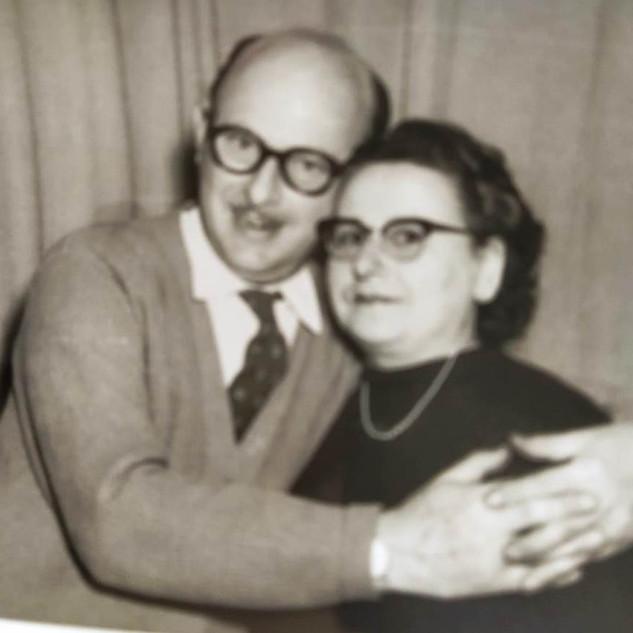 Walter Hamburger y su esposa Sara Turk.j