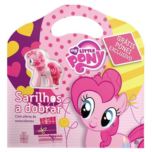 My Little Pony - Sarilhos a dobrar: Livro de histórias com oferta de pónei