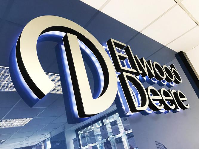 Elwood Deere - Facelift Design
