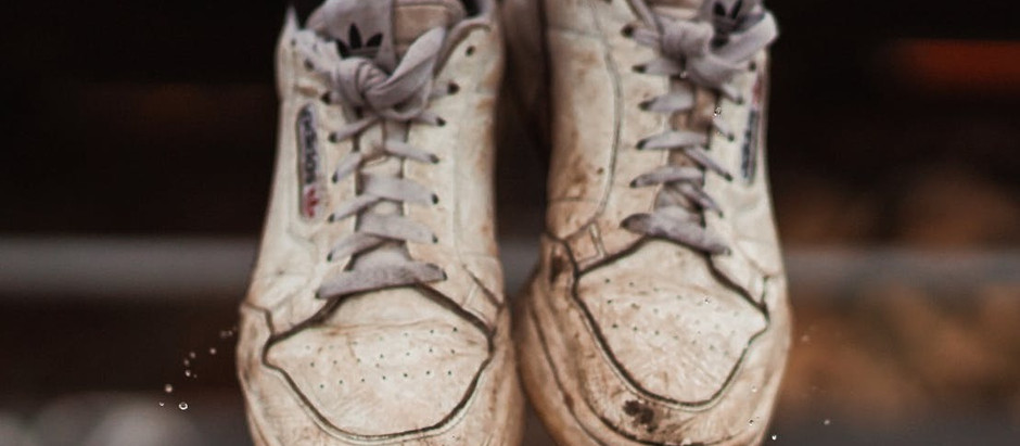 3 things to look for that tell you that you need new shoes