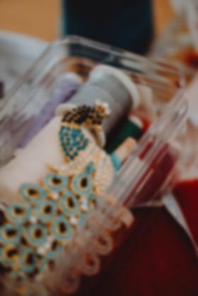 Ellen Wittke Indis Tücher Chemotherapie modisch vielseitig individuell Unternehmensfotografie Businesaufnahmen Fotos Fotoshooting Mitarbeiter Portrait Reportage authentisch nahbar echt kreativ Fotografie Michaela Thewes Fotos Essen Frohnhausen NRW Mülheim Bochum Dortmund Düsseldorf Köln Accessoires Pfau Brosche Textilien
