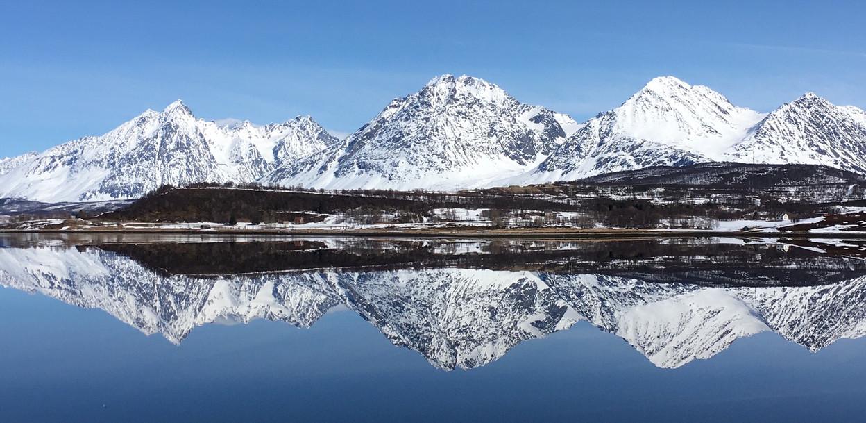 Fjord in Lyngen April 2018