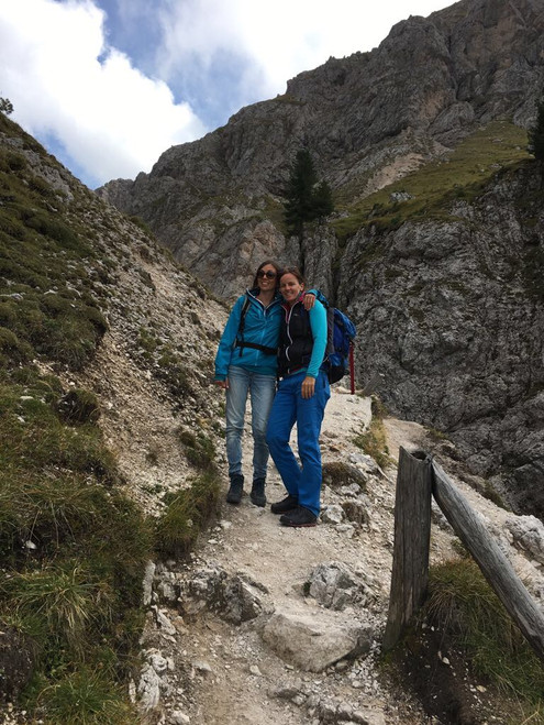 Glücklich am Berg: Nadja & Barbara
