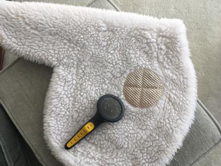 Inside the Hunter/Jumper Tack Room: Fluff up your fleece!