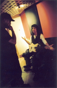 David Hadley Ray with Jeff Beck explaining why he doesn't use a guitar pick