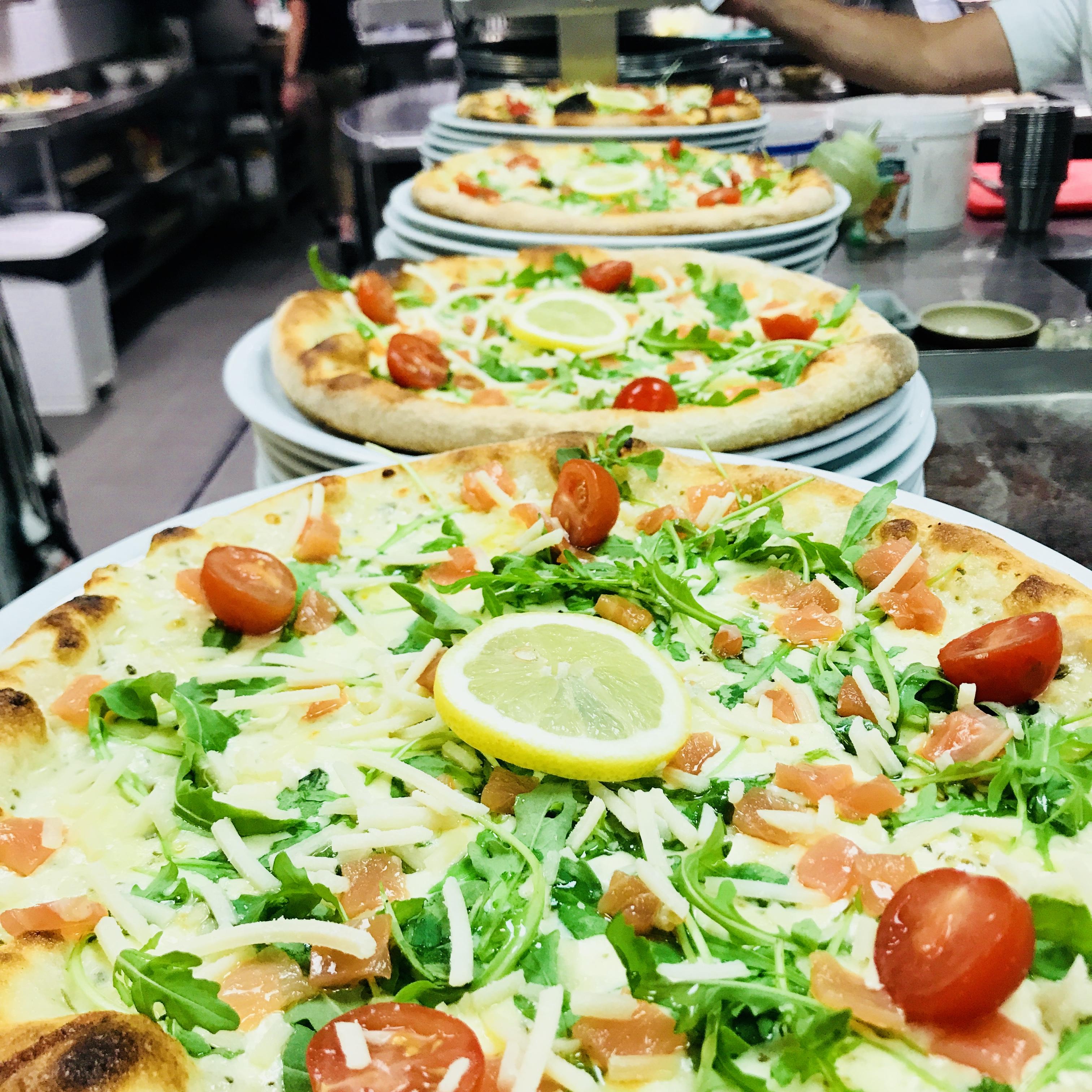 La pizza saumon