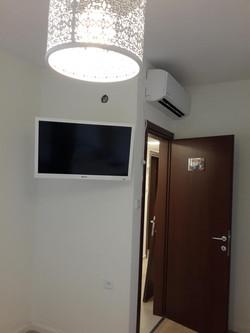 תליית טלויזיה לקיר