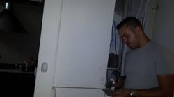 התקנת מנעול בארון חשמל