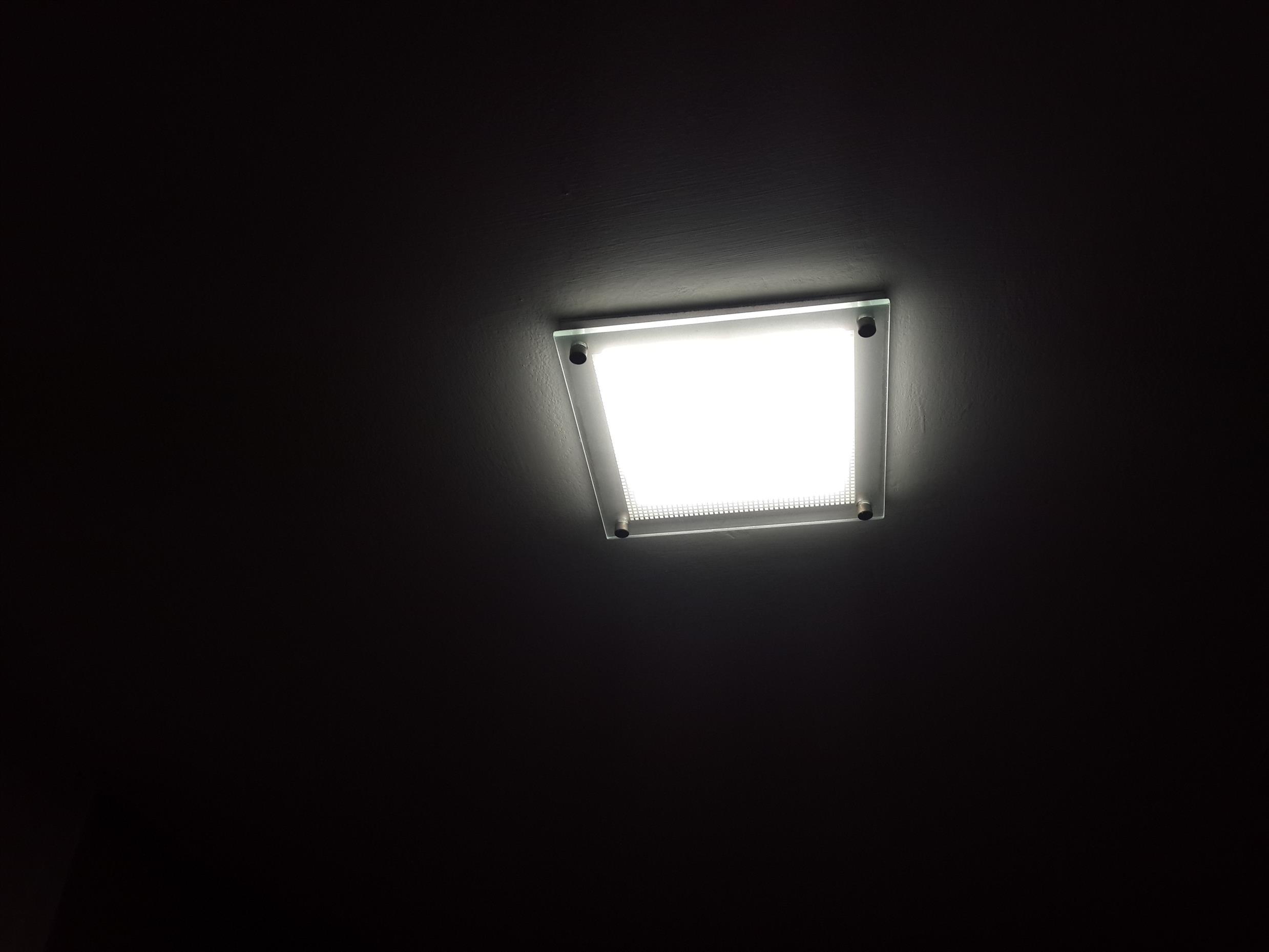 התקנת גוף תאורה